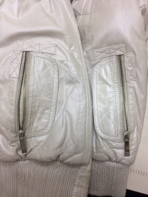 Белая куртка — устранение разрыва кармана. Мастер-класс №0706